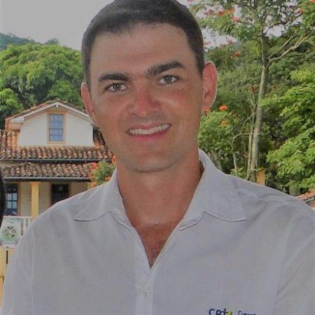 Um dos maiores especialista do país na reprodução equina Professor Gilberto Guimarães Lourenço veste novamente a camisa do CPT Cursos Presenciais